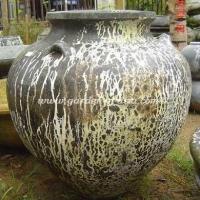 gakm-002-a-antique-urn