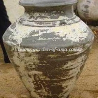 gakm-014-a-antique-urn