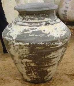 gakm-014-a-antique-urn