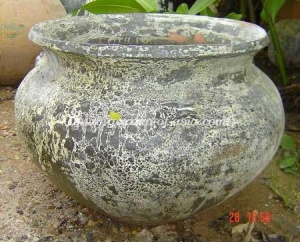 gakm-035-a-antique-urn