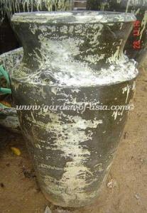 gakm-053-antique-urn