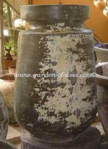gakm-059-a-antique-urn