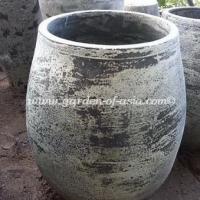 gakm-061-antique-urn