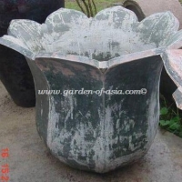 gakm-077-antique-urn