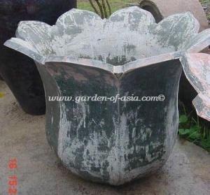 gakm-077-antique-urn