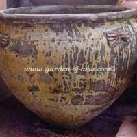 gakm-098-antique-urn