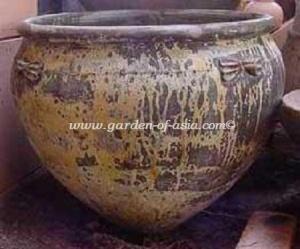 gakm-098-antique-urn