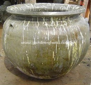 gakm-138-antique-urn