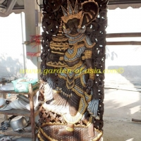 wood-carving-traditional-motif