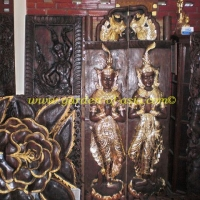 wood-carvings-with-traditional-motifs-2